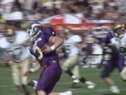 Pure Dynamic - Vikings rushes the ball (c) Vikings
