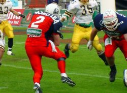 #2 RB Matt Riazzi on his way (c) Braunschweig Lions
